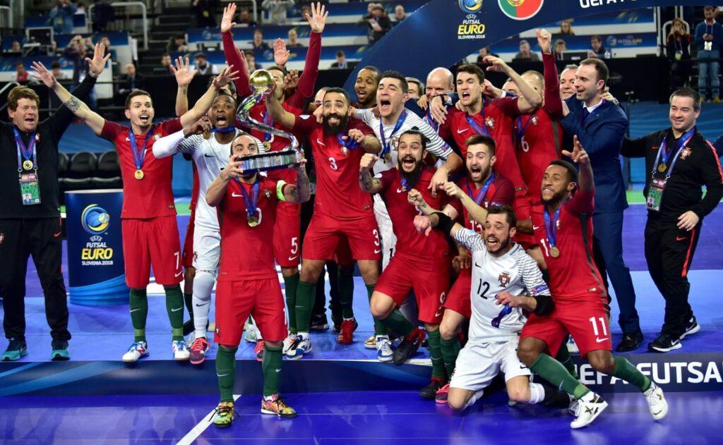 La Nazionale portoghese festeggia il trionfo nel Mondiale lituano